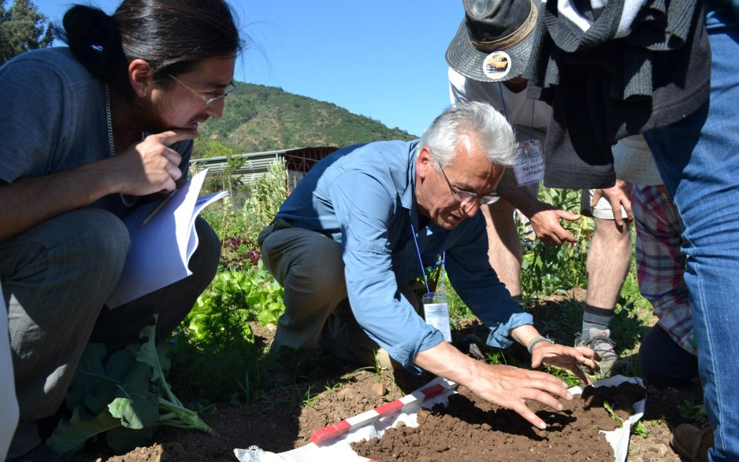 Con dos talleres de Restauración Biológica de Suelos participó el programa del Centro Ceres en encuentro latinoamericano de Agricultura Biodinámica.