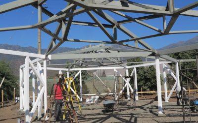Se inicia la construcción del nuevo edificio del Centro Ceres utilizando técnicas de bioconstrucción en La Palma, Quillota.