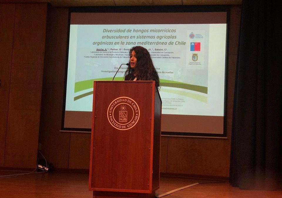 Dra. Ana Aguilar aborda diversidad de hongos micorrícicos en Encuentro Chileno de Micología